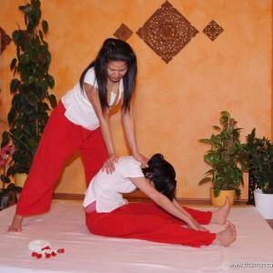 Viele Positionen ähneln dem Yoga